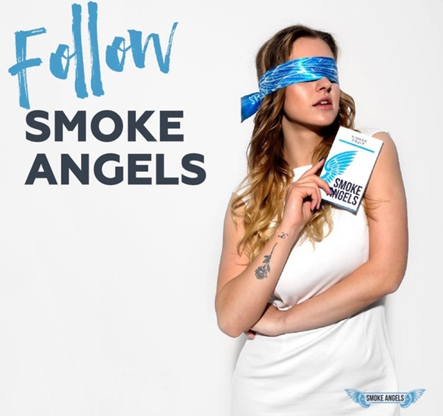 Девушка с табаком
